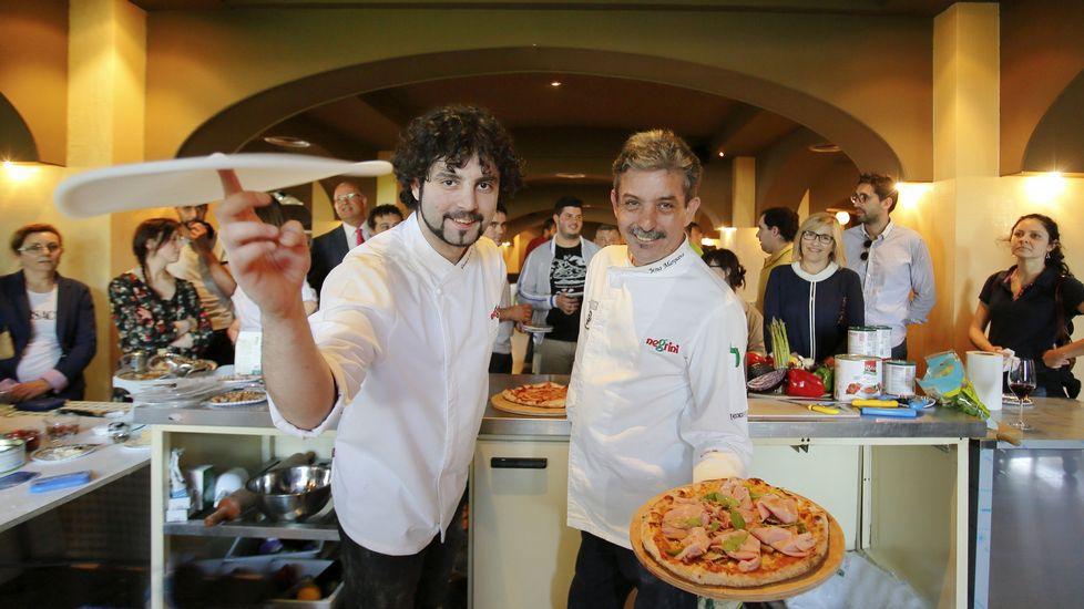 La pizza es un plato para relacionarse el t pico italiano for Platos de pizza